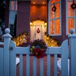outdoor christmas decorations gate front walk door