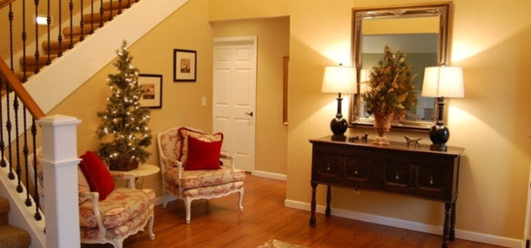 holiday decor front entrance foyer