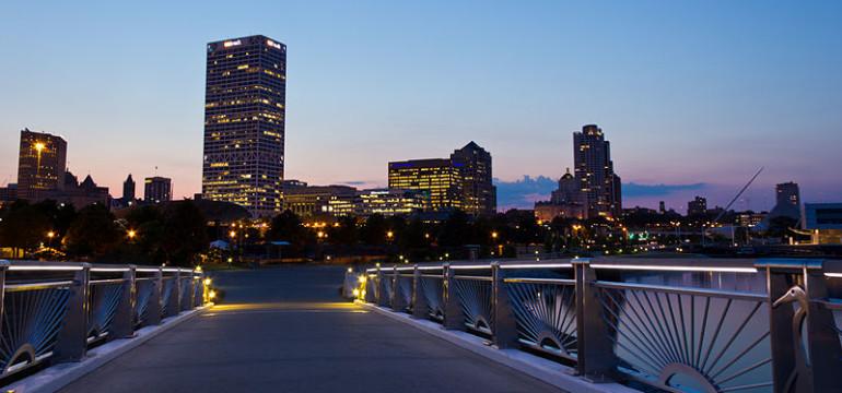 Milwaukee_Skyline_at_Sunset