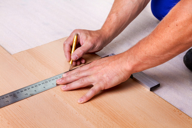 Laminate Flooring Installation Measurements Cutting