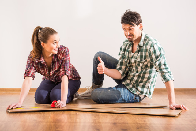laminate floor couple