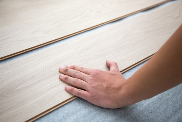 laminate floor plank replacement