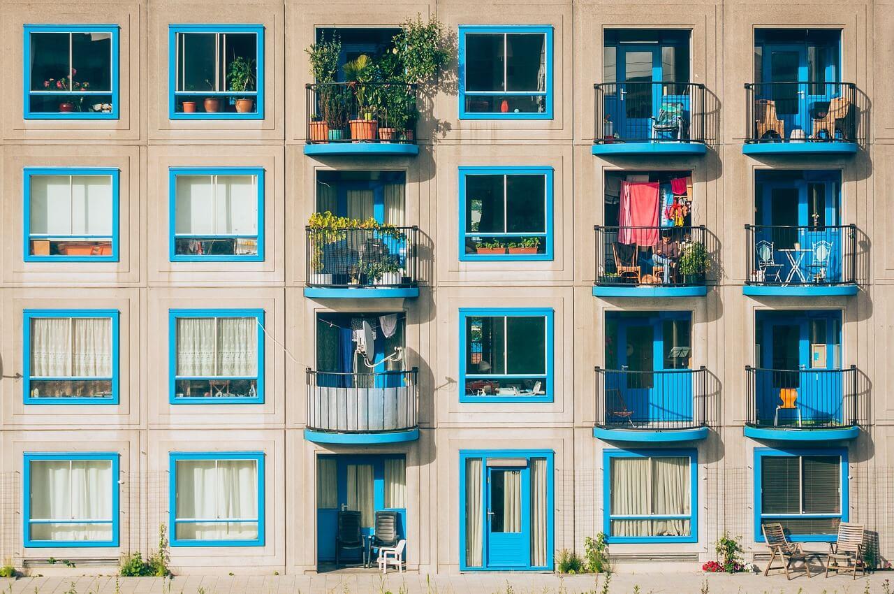 apartments-1845884_1280