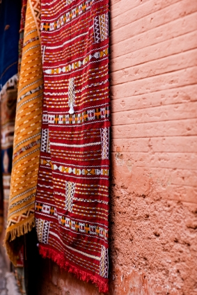 Area Rugs As Wall Hangings A Magic Carpet Decor Solution