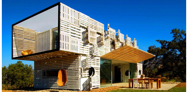 Manifesto House in Chile (image from containerhomeplans.org)