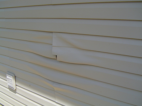 Vinyl Siding Repair 7 Easy Do It Yourself Steps