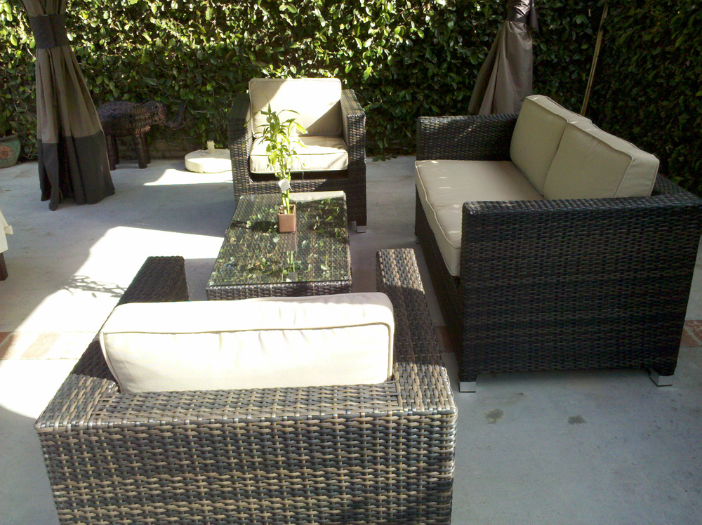 Garden design beauty and low maintenance tips for gardens for Low maintenance outdoor furniture