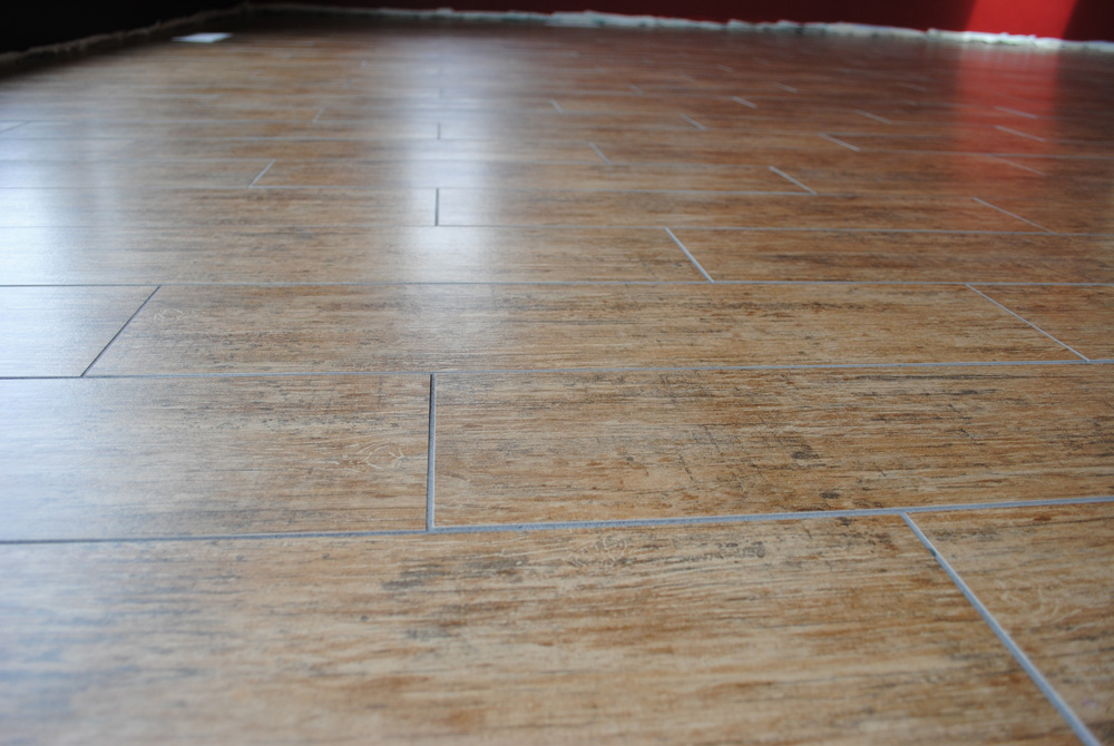 Porcelain Tile That Looks Like A Wood Floor Surface - Cost of replacing tile floor with hardwood
