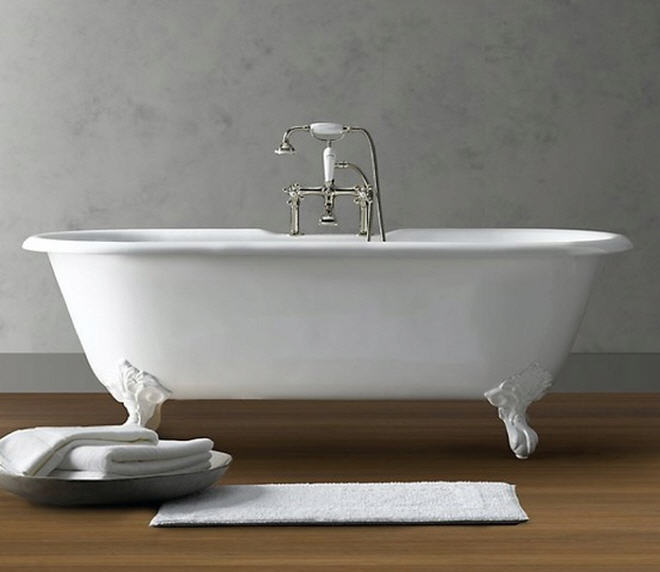 Clawfoot Tubs Traditional Design For Modern Bathroom Spaces - Modern bathroom with clawfoot tub