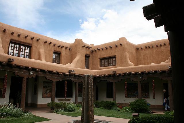 American style santa fe the pueblo revival for Pueblo style house plans