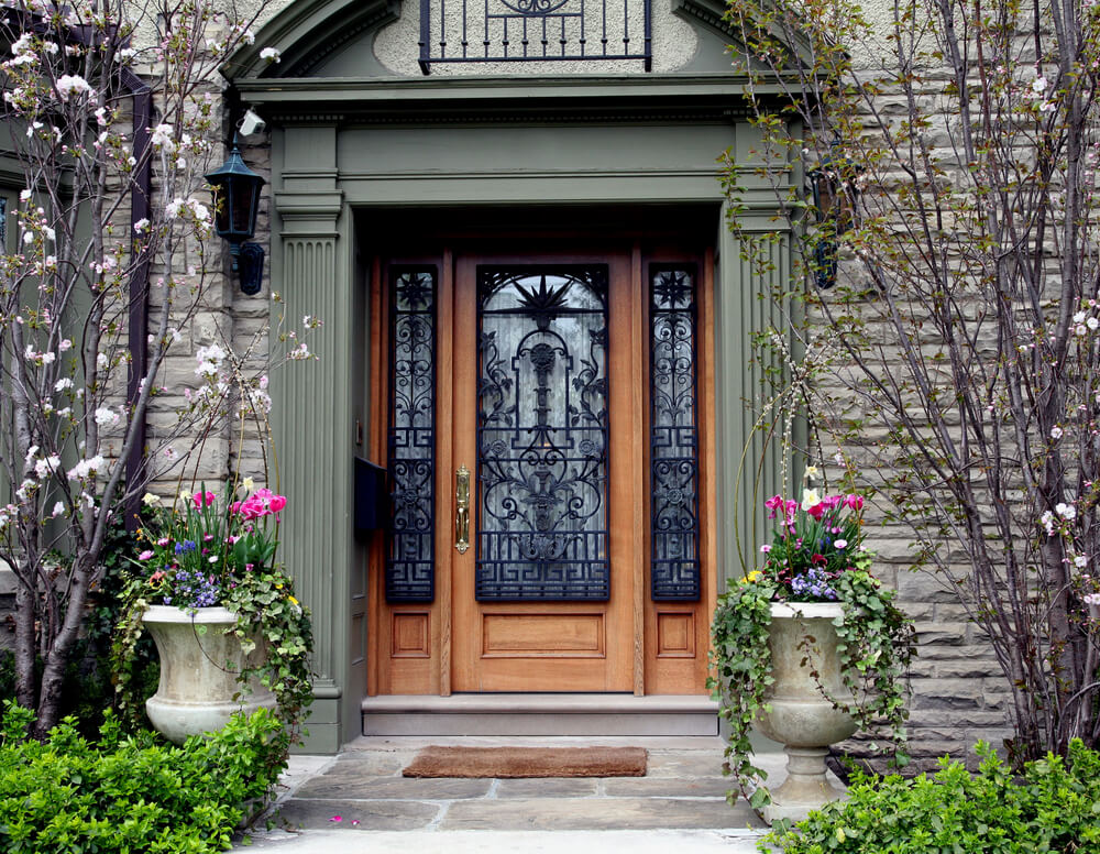 How to replace your front door for Front entrance doors