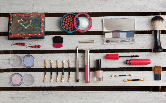 make-up accessories cosmetics