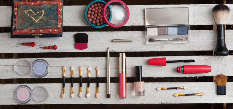 make-up accessories cosmetics