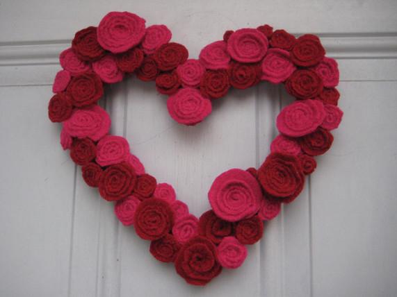 valentines wreath rose petals