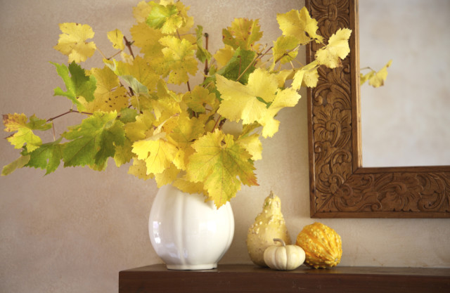 fall mantelpiece decor