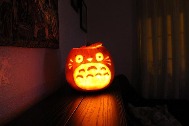 totoro pumpkin carving