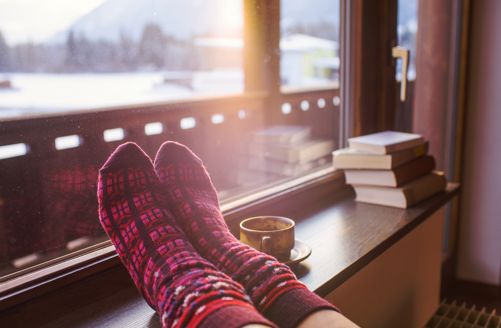 5 Easy Inexpensive Ways To Keep Warm This Winter