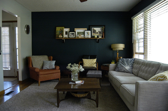 accent wall stylish living room