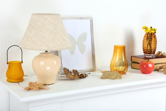 fall decor mantelpiece