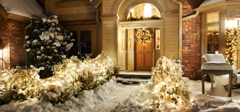 holiday door decorations wreath