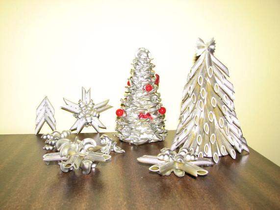 Christmas_decorations_made_of_pasta_2008_Poland_Silesia