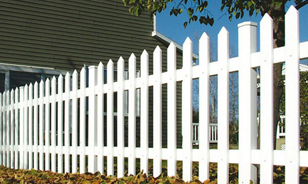 cape cod style picket fencing