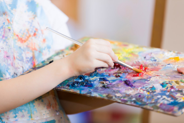 kid art painting pallette