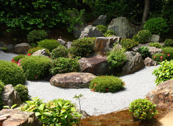 Zen garden inspiration for every backyard for Jardin japonais miniature