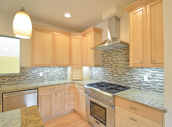 Kitchen backsplash ideas design and practicality Bamboo backsplash
