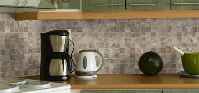 cultured-grey-room porcelain kitchen backsplash