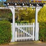gate arbor hedge