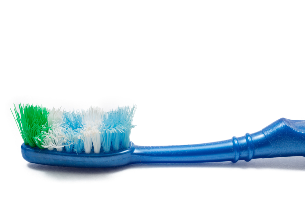 12 Ways To Use Your Old Toothbrush To Clean Your Home