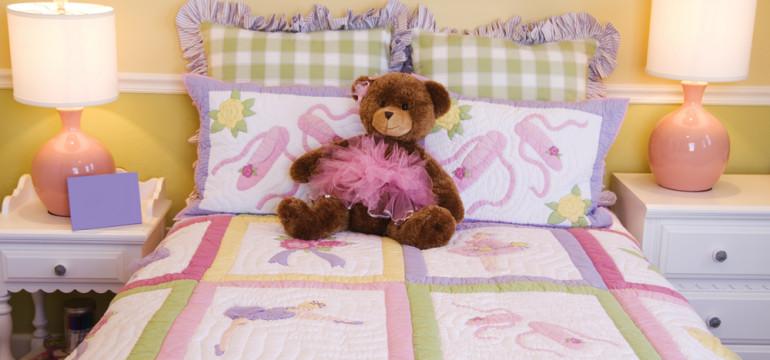 girls bedroom teddy bear