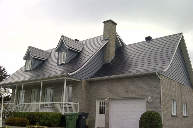 achilles-metal-roof-shingles-charcoal-room