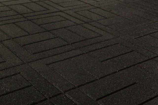 brava-outdoor-interlock-black-brick-angle_1000