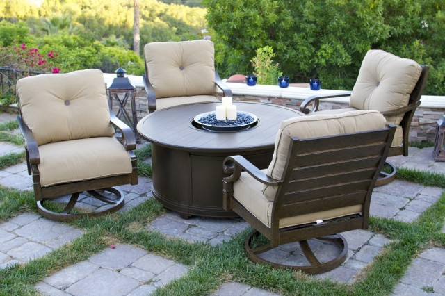 10108322-versailles-5pc-set-4swivelchair-1firepit-sup-room_1000