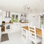 Cottage flooring