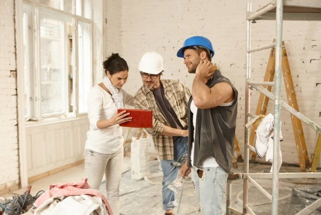 homeowner talking to contractors