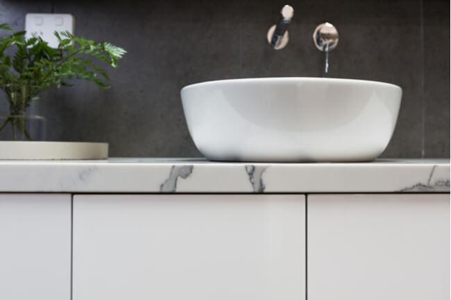 choosing bathroom vanity
